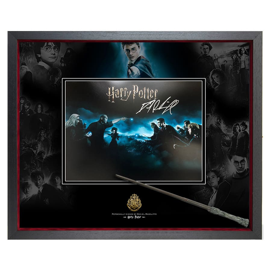 Harry Potter – Signed by Daniel Radcliffe Photo & Wand Display