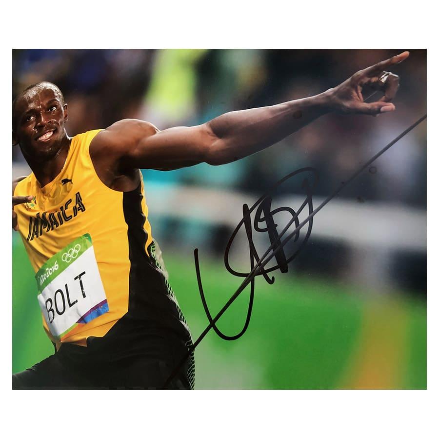 Usain Bolt Signed 2016 Rio Olympic Photo & Replica Medal